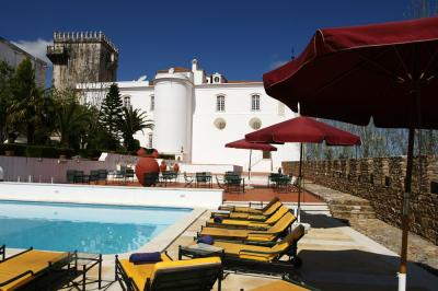 Estremoz_swimmingpool