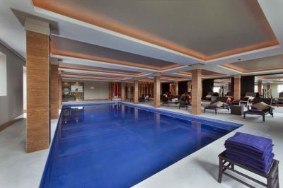 Interior_Pool