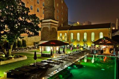 Pousada_do_Porto_Freixo_Palace__H_Pool