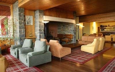 pousada-braganca-interior-fireplace