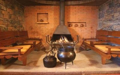 pousada-braganca-interior-fireplace2