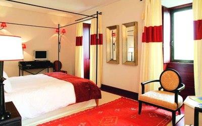 pousada-tavira-bedroom-canopy
