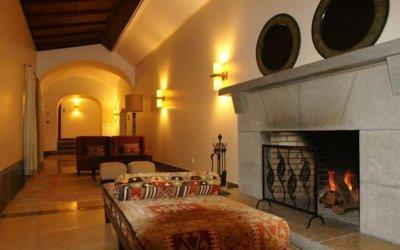 pousada-tavira-interior-fireplace