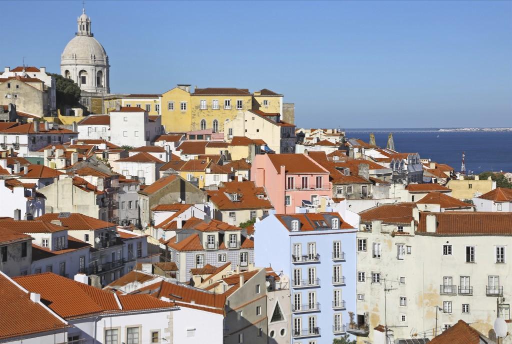 Alfama District Lisbon - iStock_000046760168_Medium
